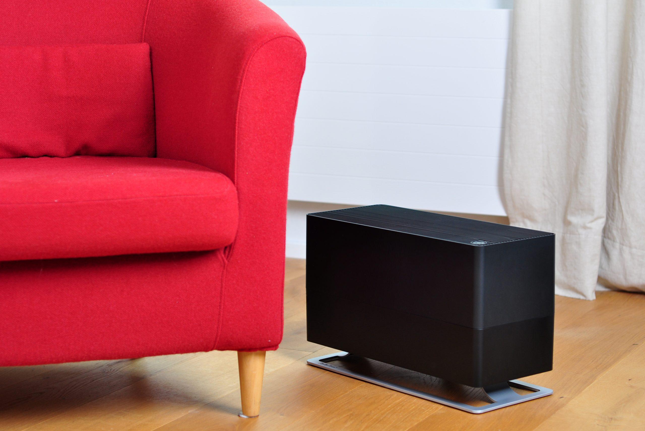 Традиционный увлажнитель воздуха Stadler Form Oskar Big Black лайфстайл3